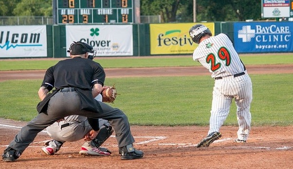 Bullfrogs Fall To Rafters Late